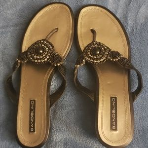Bandolino Black Beaded Slide Thong Sandal 10